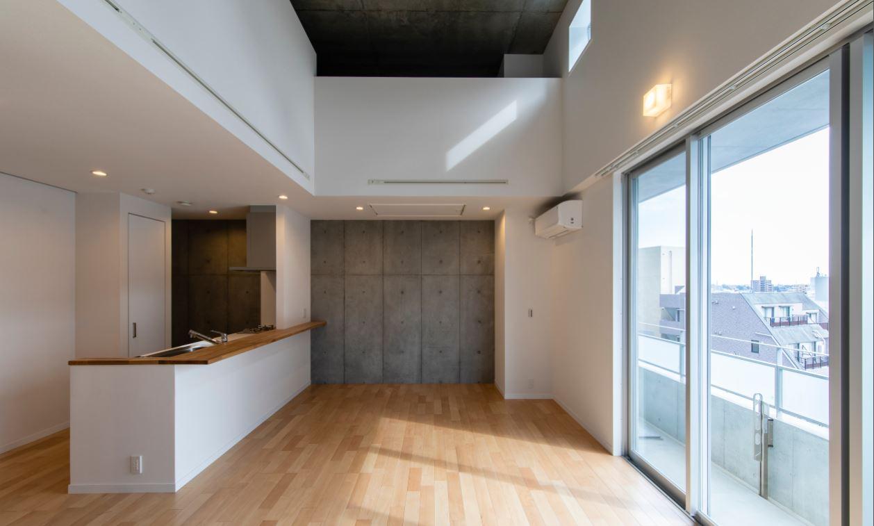 【紹介】最上階でロフト付、3.7mの天高住戸